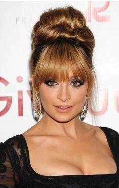 60's updo - Love this on Nicole!