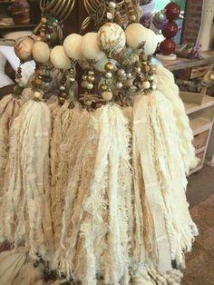 pretty, natural beads and fabric Ribbon Jewelry, Tassel Jewelry, Jewelry Crafts, Tassel Necklace, Crafts To Make, Arts And Crafts, How To Make Tassels, Shabby Chic Crafts, Diy Tassel