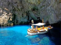 "Gozzo Fratelli Aprea 7.50 "" Sophia Loren"" in the ""Green Cave"" waters"