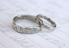 rustikale Ehering Ring Satz. individuelle von peacesofindigo