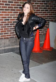 """Kristen Stewart - """"Late Show with David Letterman"""" in NYC, Nov 20, 2008"""