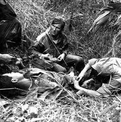 Sortie du 8e BPC (8e Bataillon de Parachutistes de Choc) à 5 km au nord de Diên Biên Phu – Médecin-lieutenant Patrice de Carfort – ECPAD