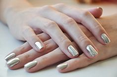 Champagne gold nails