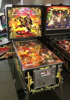 Black Knight Pinball Machine (1980) | From Williams