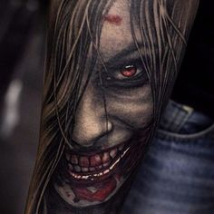 This one straight up scares the shit out of me, as good horror should. Great work Negur. #horror #hyperrealism #StepanNegur #vampire #blood #scary #realism #colorrealism #portrait
