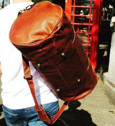 Luggage for the urban traveller Sling Backpack, Leather Backpack, Mahi Mahi, Leather Design, Vintage Designs, Bag Accessories, Photoshoot, Backpacks, Tote Bag