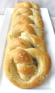 Low Carb Pretzels- made with almond flour. Gotta try 'em.