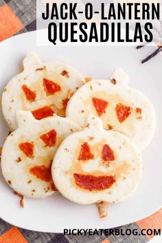 These Jack-O-Lantern Quesadillas are the cutest and most delicious dinner idea for fall. They are sure to bring a smile to your face and are perfect for kids or festive get-togethers. Filled with cheesy goodness and pumpkin between whole wheat tortillas, they are irresistible! Healthy Toddler Snacks, Healthy Eating For Kids, Toddler Meals, Fall Recipes, Lunch Recipes, Appetizer Recipes, Dinner Recipes, Picky Eaters Kids, Vegetarian Snacks