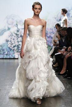 Monique Lhuillier Wedding Dress Style Bouquet   OneWed