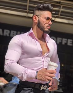 Mens Style Discover Men in shirts My Handsome Man, Scruffy Men, Stylish Men, Men Casual, Mens Clothing Trends, Sexy Tattooed Men, Tight Suit, Costume Sexy, Hunks Men