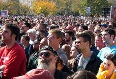 http://1.bp.blogspot.com/_Afw3Fm59pqQ/TM8lE95QIuI/AAAAAAAACuA/es270iXQnHg/s1600/Crowd+-+looking+toward+Smithsonian.jpg