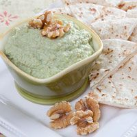 Edemame Hummus - I'll use tahini and a bit of fat Greek Yogurt instead of walnut butter but should be pretty nommy! Yummy Appetizers, Appetizer Recipes, Edamame Hummus, Walnut Butter, Gourmet Recipes, Healthy Recipes, California Walnuts, Hummus Recipe, Recipe Edamame