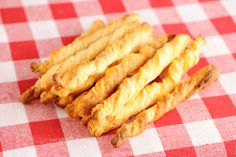 Pepper-Jack Crescent Twists with Salsa-Ranch Dip Recipe Cheese Straws, Cheese Appetizers, Appetizer Recipes, Snack Recipes, Cooking Recipes, Snacks, Cooking Ideas, Vegetarian Recipes, Salsa Ranch