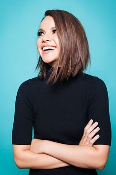 Why I Came Out Online — & What Life Has Been Like Since Ingrid Nilsen shares why she came out on You Medium Asymmetrical Hairstyles, Long Asymmetrical Haircut, Medium Bob Hairstyles, Hairstyles Haircuts, Angled Lob, Medium Hair Cuts, Medium Hair Styles, Short Hair Styles, Short Hairstyles