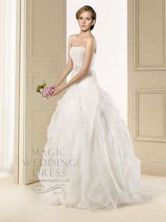 £508 Lace Glamour Princess Ball Gown