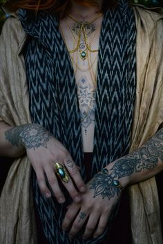 Labradorite Body chain, Tribal Shield Ring & Ikat Drape Top with open back Labradorite Jewelry, Minimalist Jewelry, Ikat, Chain, Hair Styles, Clothes, Beauty, Ring, Tops