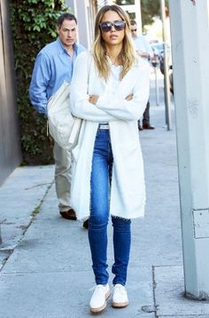 How+to+Style+Your+Jeans+Like+Gigi+Hadid,+Olivia+Palermo+