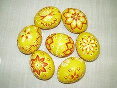 ručné práce | KRASLICE Egg Coloring, Coloring Easter Eggs, Egg Decorating, Diy And Crafts, Wax, Patterns, Painting, Ideas, Block Prints