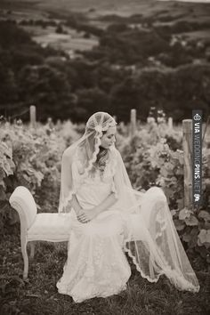 vintage chic perfection (photo by Katy Lunsford) | CHECK OUT MORE IDEAS AT WEDDINGPINS.NET | #weddings #weddinginspiration #inspirational