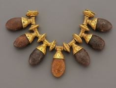 Greek Gold Necklace with Amber Pendants. c. 6th-4th Century BC - source: phoenixancientart.com