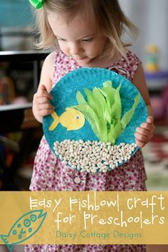 Under the Sea Preschool Craft {Preschool at Home} - Daisy Cottage Designs - Paper Plate Crafts For Kids - Easy Fishbowl Craft - Kids Crafts, Daycare Crafts, Craft Activities For Kids, Projects For Kids, Craft Ideas, Craft Art, Sea Activities, Children's Arts And Crafts, Art Project For Kids