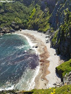Las Arreas, the hidden beach of Luarca, in Asturias, Spain. Amazingly, you can climb down to this one!