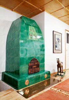 Handmade green tile stove. Mänty-kaakeliuuni. Joko, Stoves, Handmade, Tile, Bathroom, Green, Youth, Washroom, Hand Made