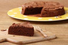 Je zdravý jako řepa. Přesně takový je tento koláč z červené řepy s kakaem. Pro někoho známá věc, pro někoho novinka. Každopádně i z řepy se dá upéct sladké jídlo.
