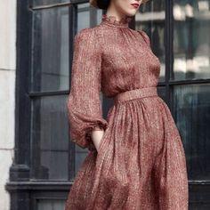 Son paylaşımlarımda en beğenilen elbiselerden birinin detayları ! * * * #moda #stil #aşk #sevimli #elbise #kırmızı #dantel #sanat…