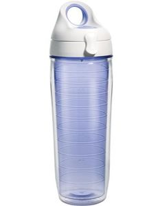 The Lakeside Lavender water bottle will look great anywhere. Whether it's on the beach or at the gym, this is the perfect accessory.