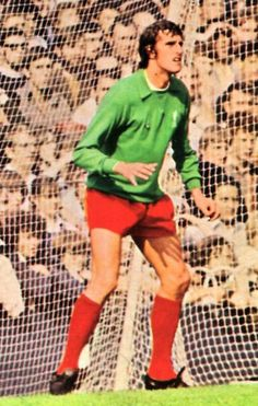 Liverpool goalkeeper Ray Clemence in Liverpool Goalkeeper, Liverpool Fc, Ray Clemence, Bob Paisley, Football Art, Soccer Players, Cheer Skirts, Sports, Legends