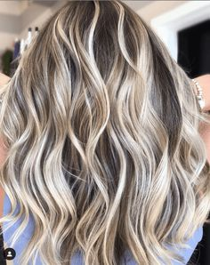 15 Blonde Bayalage Looks That Will Have You Running to Your Stylist! - I Spy Fabulous 15 Blonde Bayalage Looks That . Icy Blonde, Brown Blonde Hair, Brown To Blonde Balayage, Going Blonde, Light Blonde, Hair Highlights, Chunky Highlights, Caramel Highlights, Color Highlights