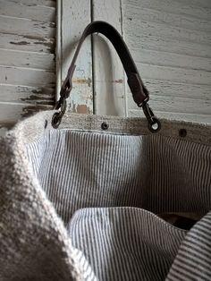 Burlap Canvas, Sacs Design, O Bag, Jute, Linen Bag, Denim Bag, Fabric Bags, Big Bags, Prada Bag