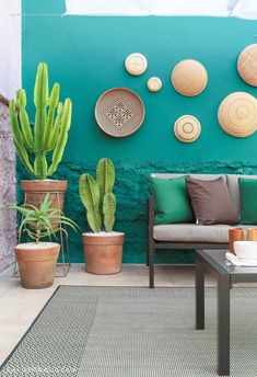 Outside area with pink and green painted walls has barbecue, string of lights, sun lounger, wooden t Backyard Decor, Room Decor, Decor, Balcony Decor, House Interior, Patio Design, Interior, Mexican Home Decor, Home Decor