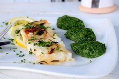 Halibut na bylinkách so špenátovým pyré Halibut, Broccoli, Food And Drink, Meat, Chicken, Vegetables, Recipes, Beef, Food Recipes