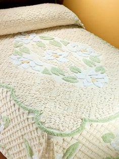 Magnolia Medallion Chenille Bedspread