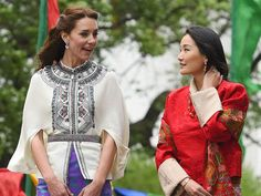 in-this-photo-provided-by-royal-kingdom-of-bhutan-from-left-to-right-kate-duchess-of-cambridge-bhutan-s-queen-jetsun-pema-britain-s-prince-william-and-bhutan-s-king-jigme-khesar-namgyel-wang-14607025066867.jpg (580×435)