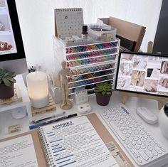 Small Bedroom Hacks, Room Ideas Bedroom, Study Room Decor, Desk Inspiration, Study Pictures, Home Desk, Study Desk, Aesthetic Room Decor, Corner Designs