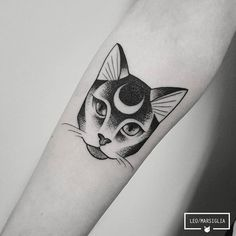 New cool art animals anime girls ideas Dream Tattoos, Future Tattoos, Body Art Tattoos, New Tattoos, Girl Tattoos, Tatoos, Surreal Tattoo, Tatto Cat, Cat Skull Tattoo