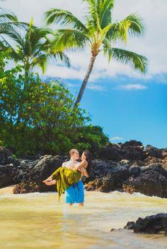 Maui engagement session