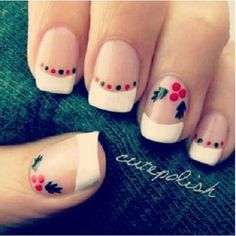 Christmas nails -  love the nail art on it!