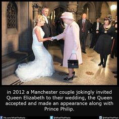 A couple jokingly invited Queen Elizabeth to their wedding, the Queen showed up...!