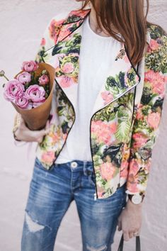 Some form of a floral blazer needs to happen to my wardrobe this spring!