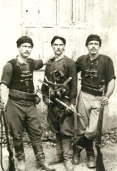 Greek partisans who fought German invaders during the battle of Crete (May I visited a N.Greek village memorial for all the boys and men 11 years and older shot by the Germans in WWII for sabotage activities. Greeks were great fighters. Greek History, World History, Battle Of Crete, Historia Universal, Second World, Military History, World War Two, Wwii, People