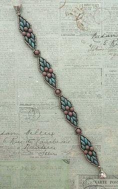Linda's Crafty Inspirations: Dicey Diamonds Bracelet Variation - new season bijouterie Seed Bead Jewelry, Bead Jewellery, Jewelery, Jewelry Findings, Beaded Bracelet Patterns, Beaded Earrings, Beaded Bracelets, Embroidery Bracelets, Bead Patterns