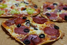 Talianska mini pizza - Powered by Tasty, Yummy Food, Polish Recipes, Hawaiian Pizza, Pepperoni, Kids Meals, Healthy Recipes, Healthy Food, Lunch