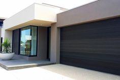Ideas for house facade design wood garage doors Timber Garage Door, Black Garage Doors, Garage Door Design, Black Doors, Barn Garage, Diy Garage, Contemporary Garage Doors, Modern Garage Doors, Modern House Facades