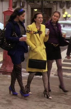 her bright coats :)) 3.20 #Blair Waldorf #Gossip Girl