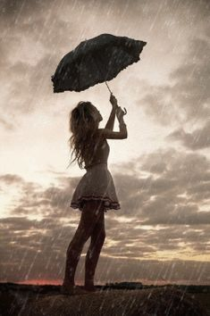 Beautiful colorful pictures and Gifs: Raining Day gifs-Bajo la lluvia fotos