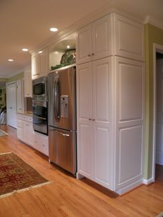 Double oven and large pantry closet